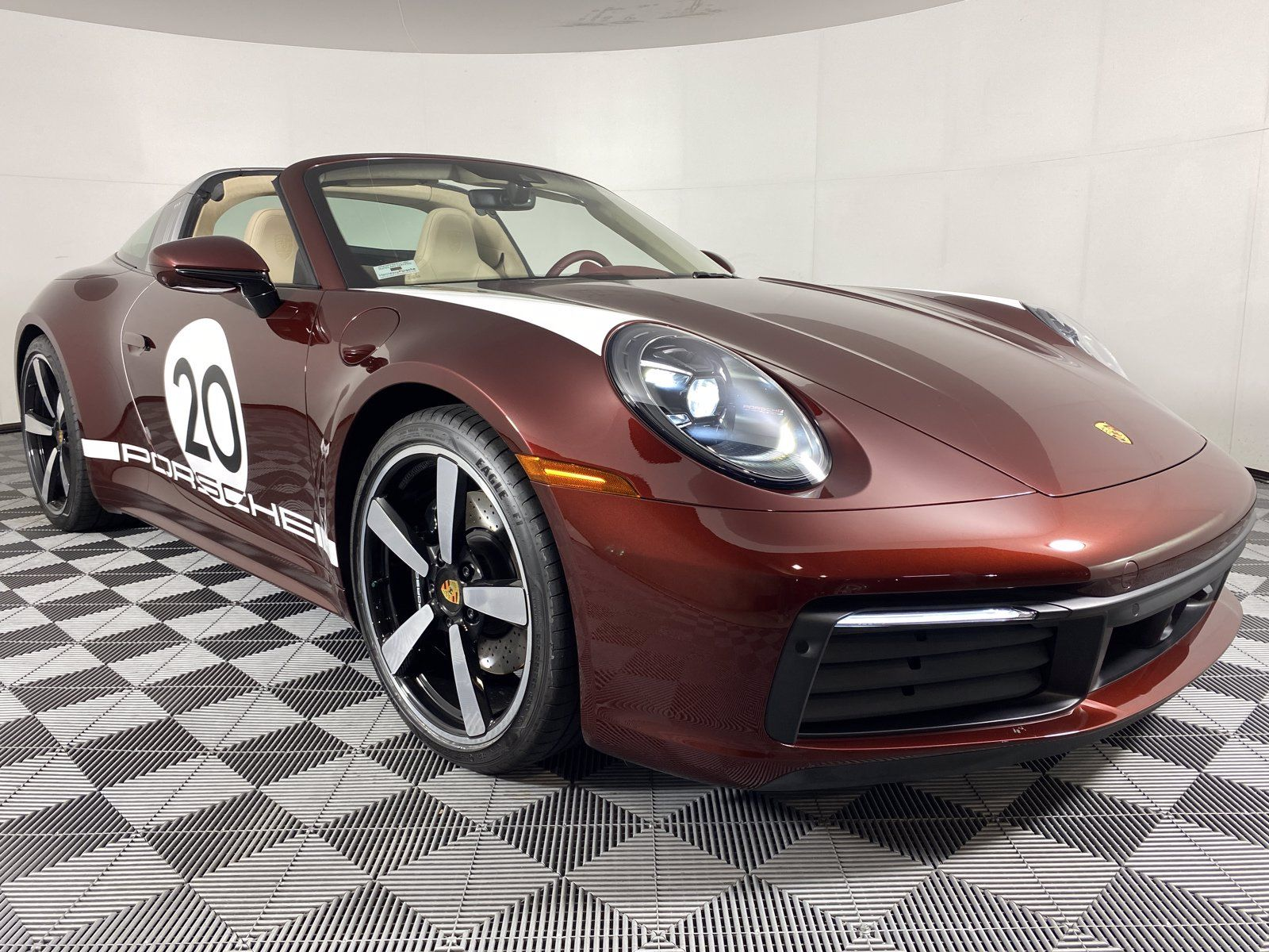 2021 Porsche 911 Targa 4S Heritage Design Edition – 4