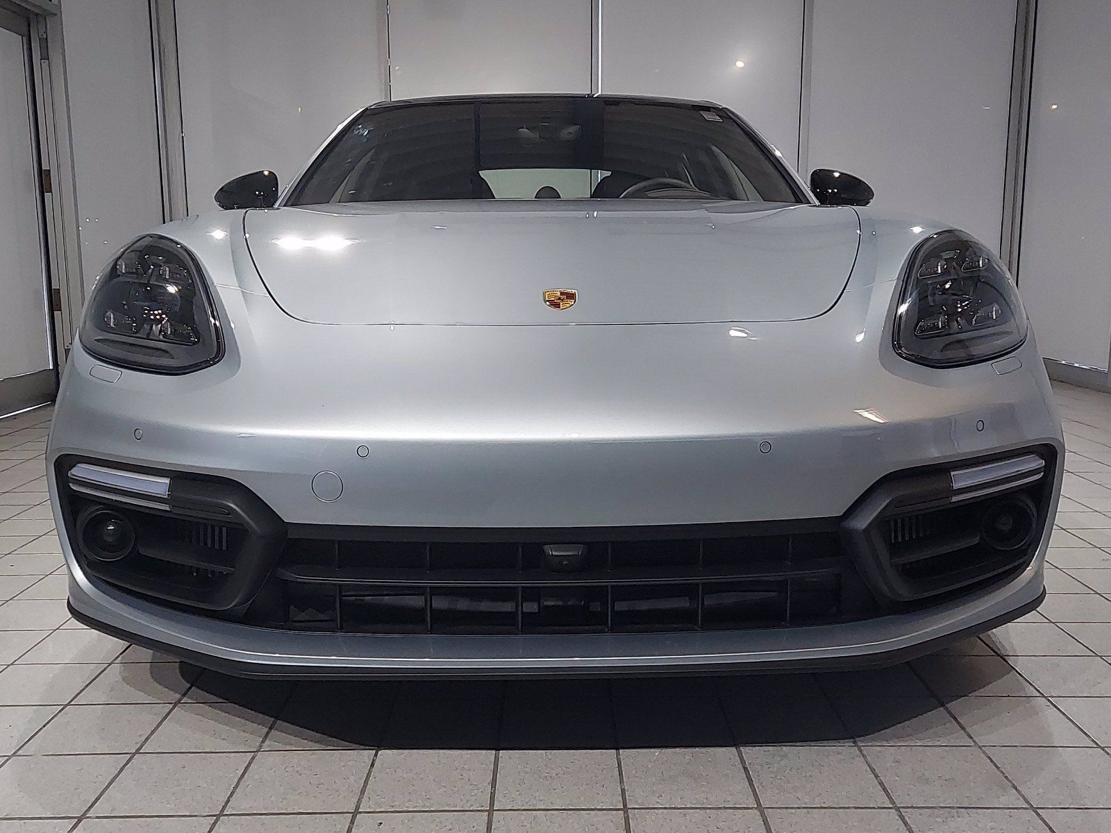 2020 Porsche Panamera GTS – 2