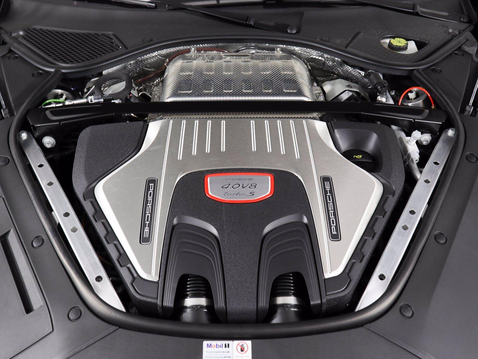 2021 Porsche Panamera Turbo S – 3