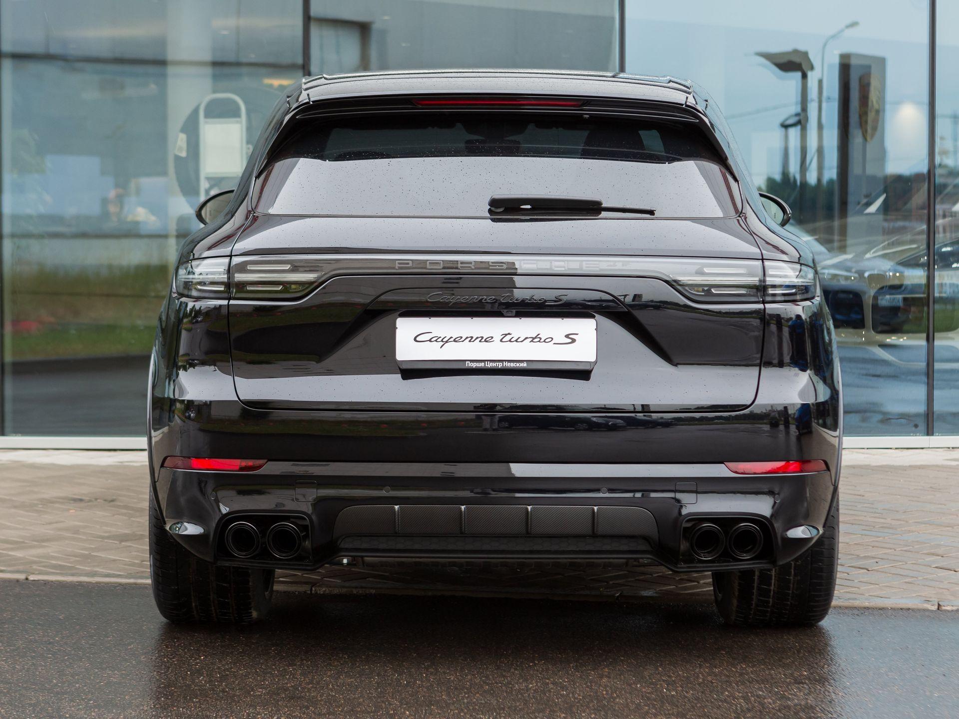 2021 Porsche Cayenne Turbo S E-Hybrid – 4