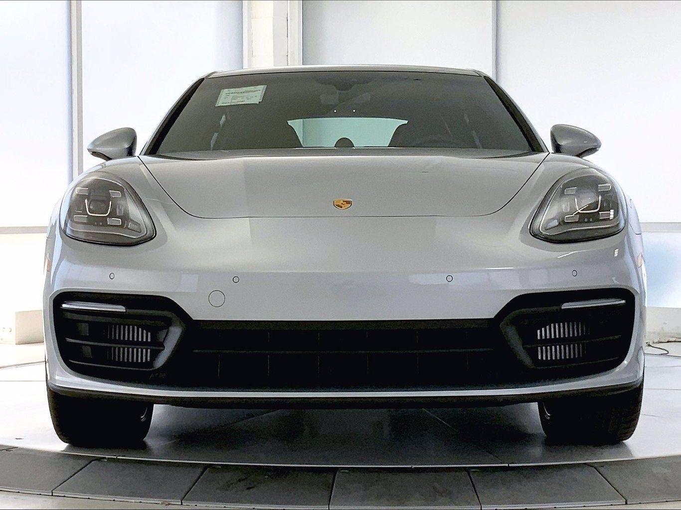 2021 Porsche Panamera – 2