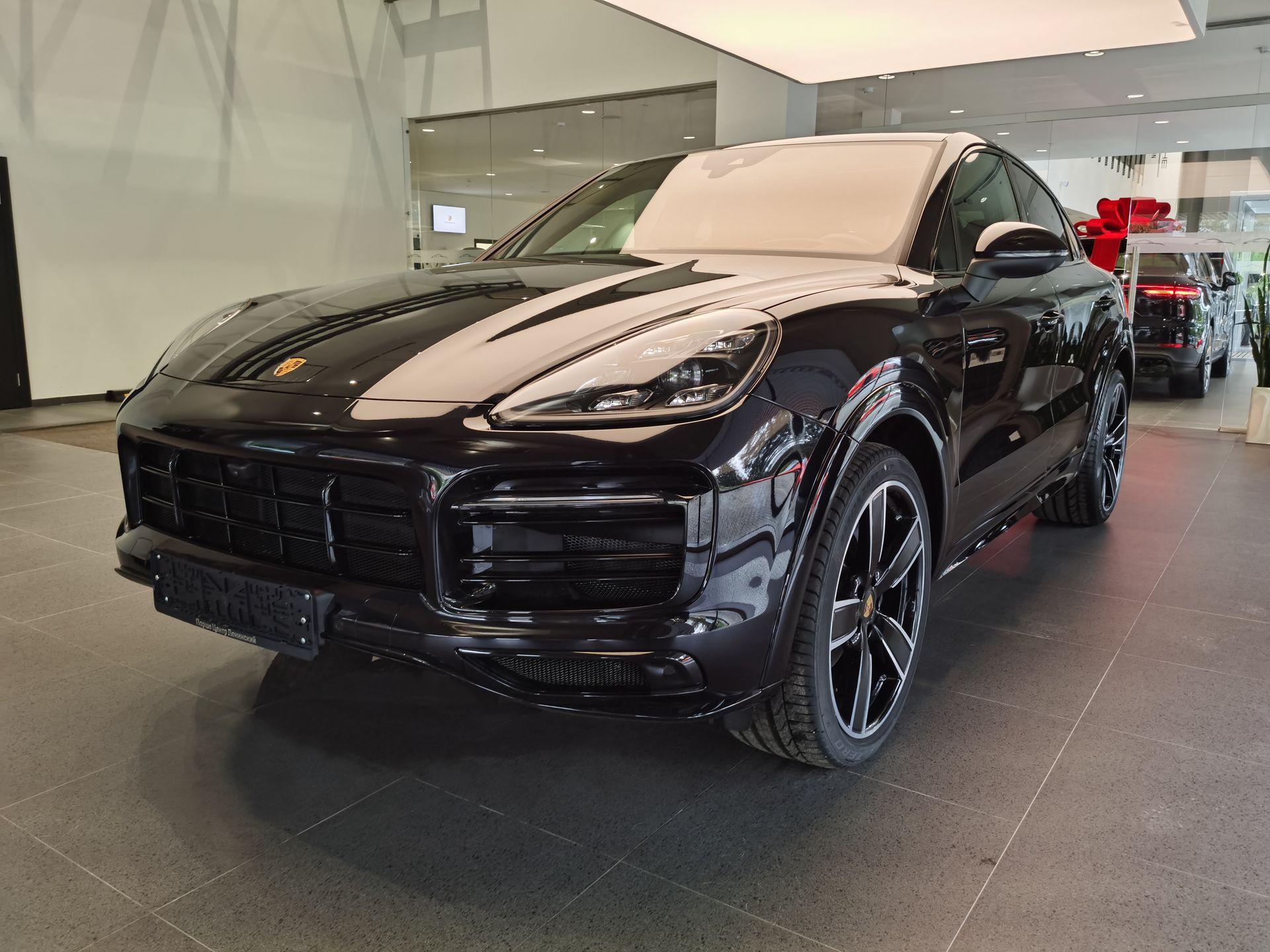 2021 Porsche Cayenne Coupé – 1