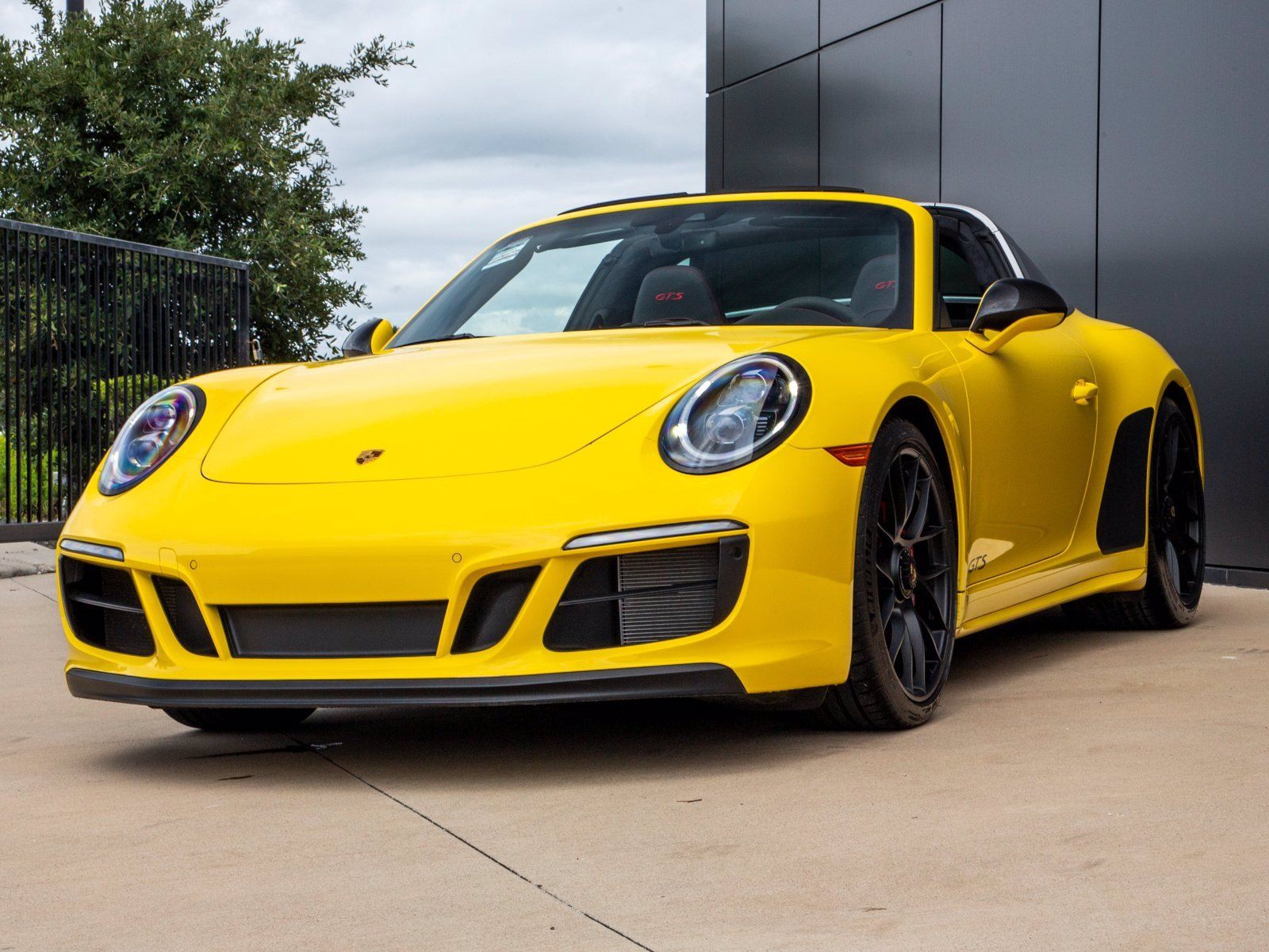 2019 Porsche 911 Targa 4 GTS – 3