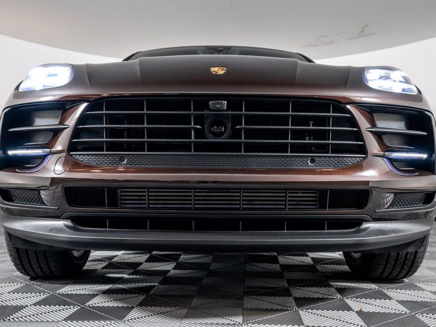 2021 Porsche Macan – 3