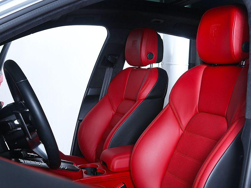 2020 Porsche Macan Turbo – 5