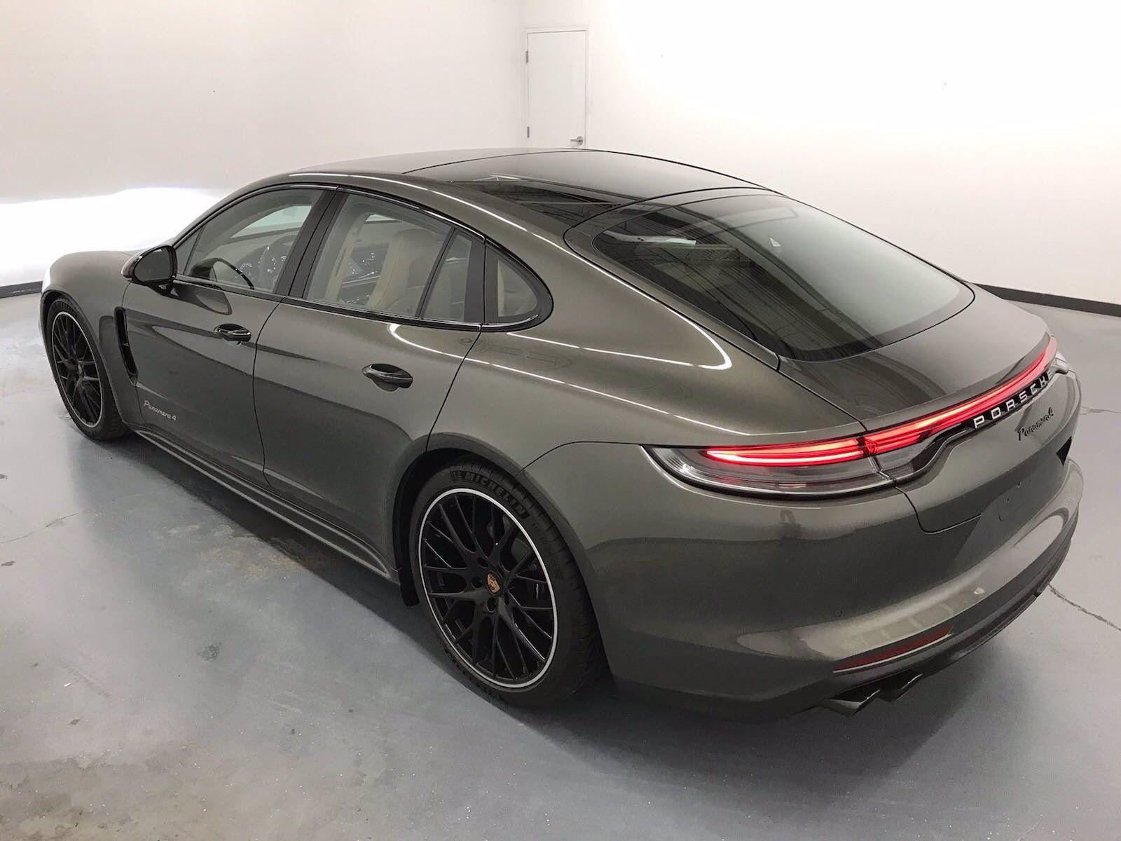 2022 Porsche Panamera 4 – 4