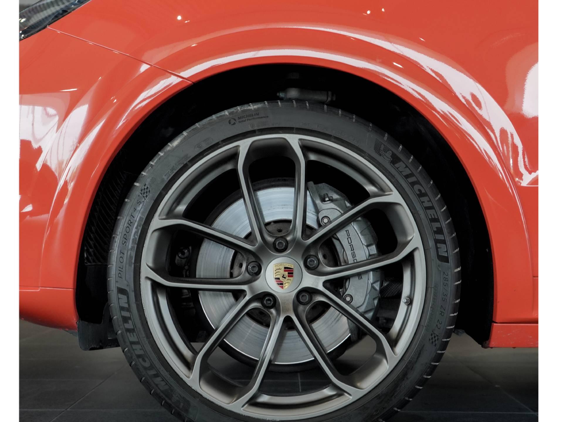 2020 Porsche Cayenne S Coupé – 4