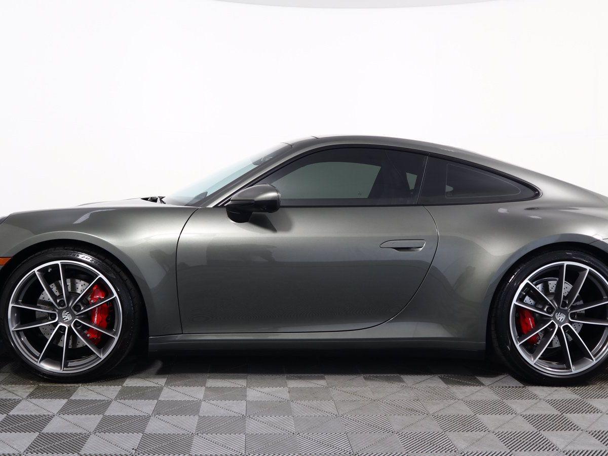 2020 Porsche 911 Carrera 4S (992) – 4