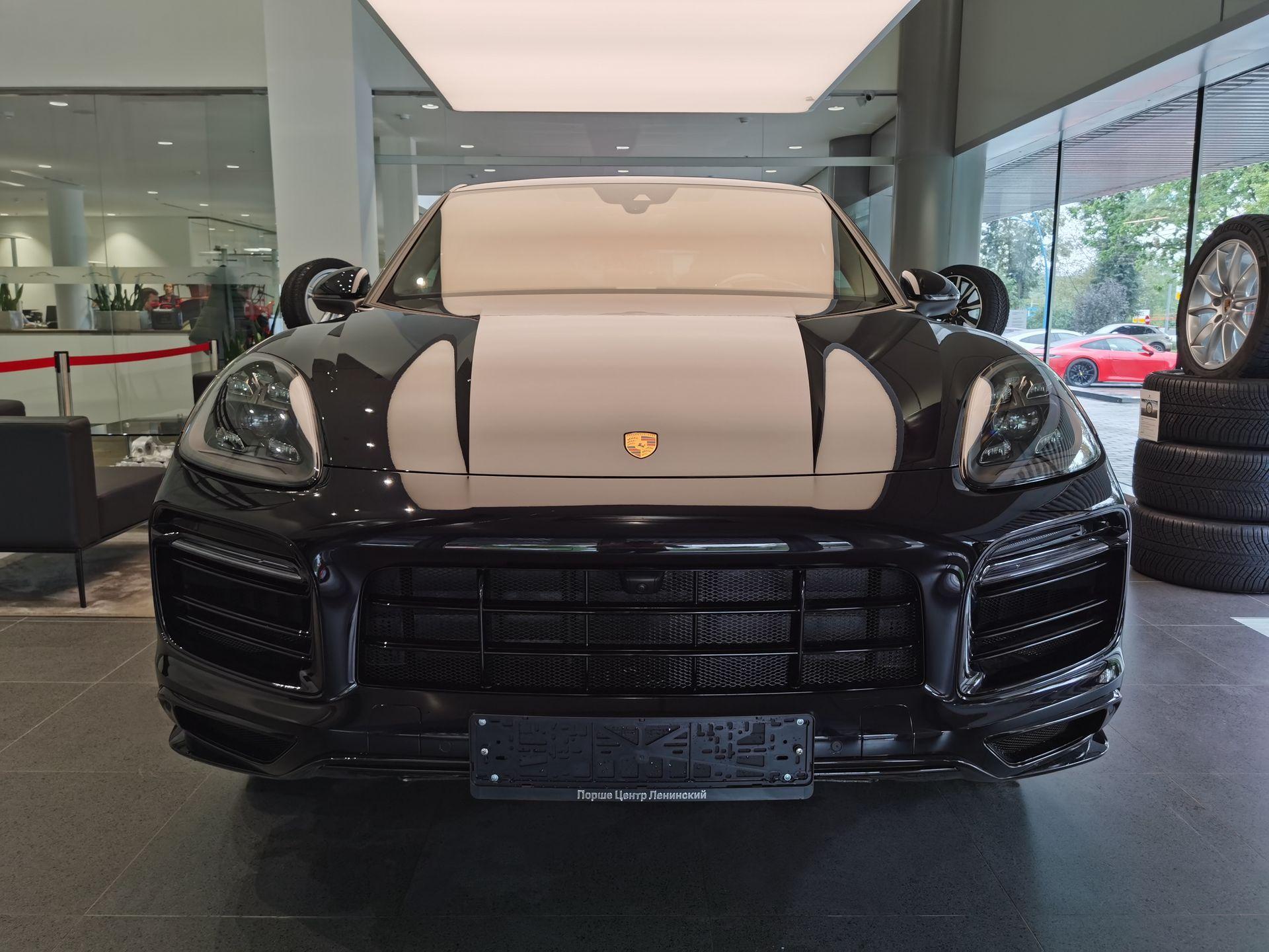 2021 Porsche Cayenne Coupé – 2