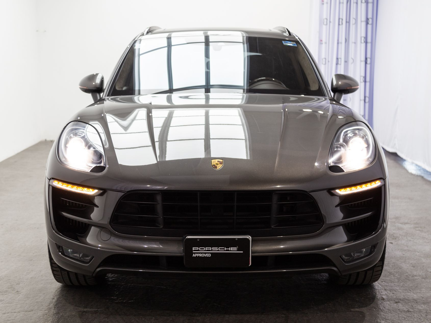 2016 Porsche Macan Turbo – 5