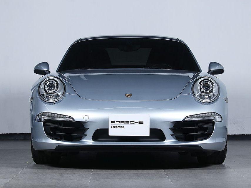 2015 Porsche 911 Carrera – 2