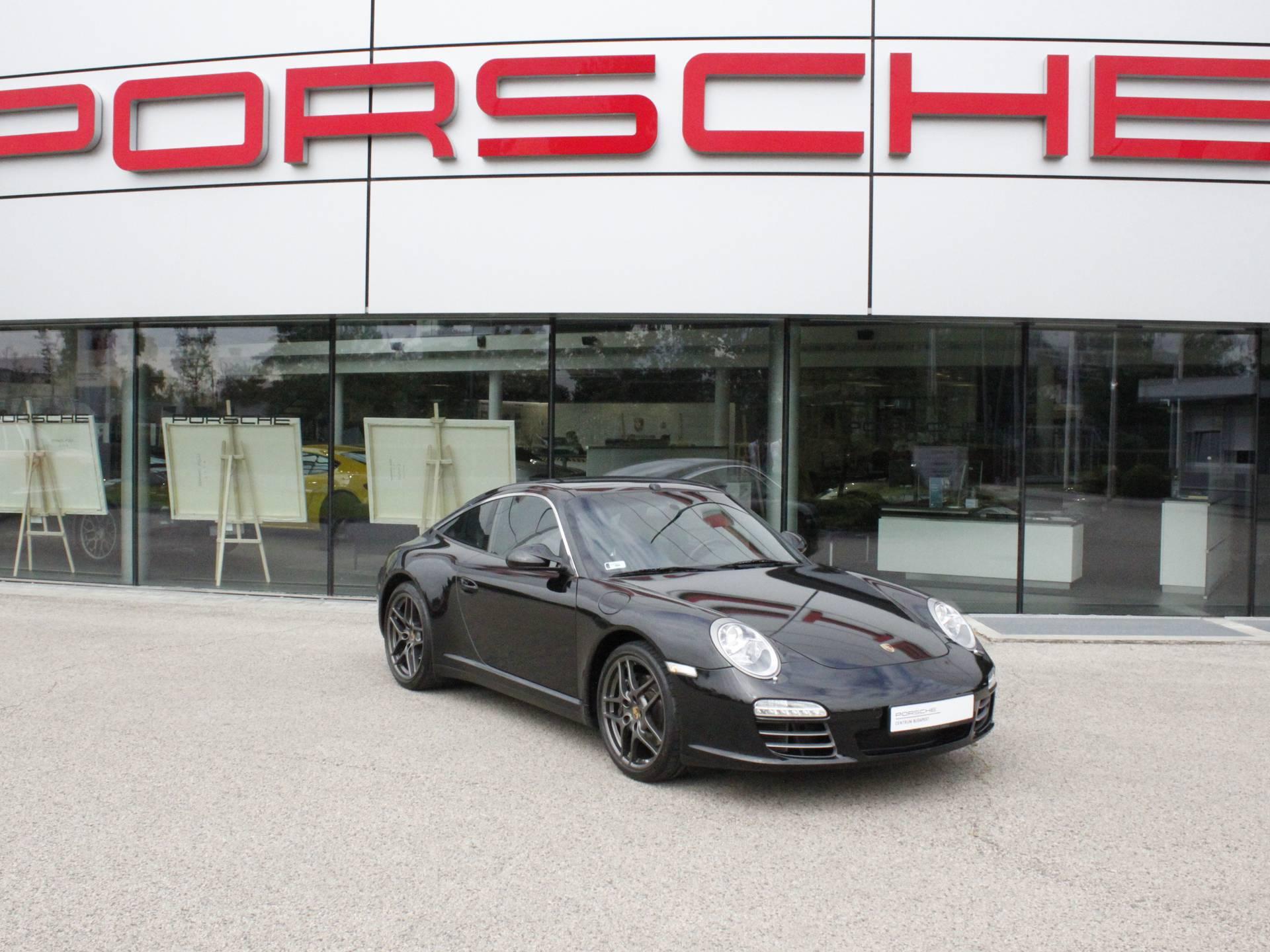 Porsche 911 Targa 4 – 1