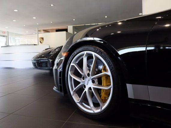 2021 Porsche 718 Cayman GT4 – 5