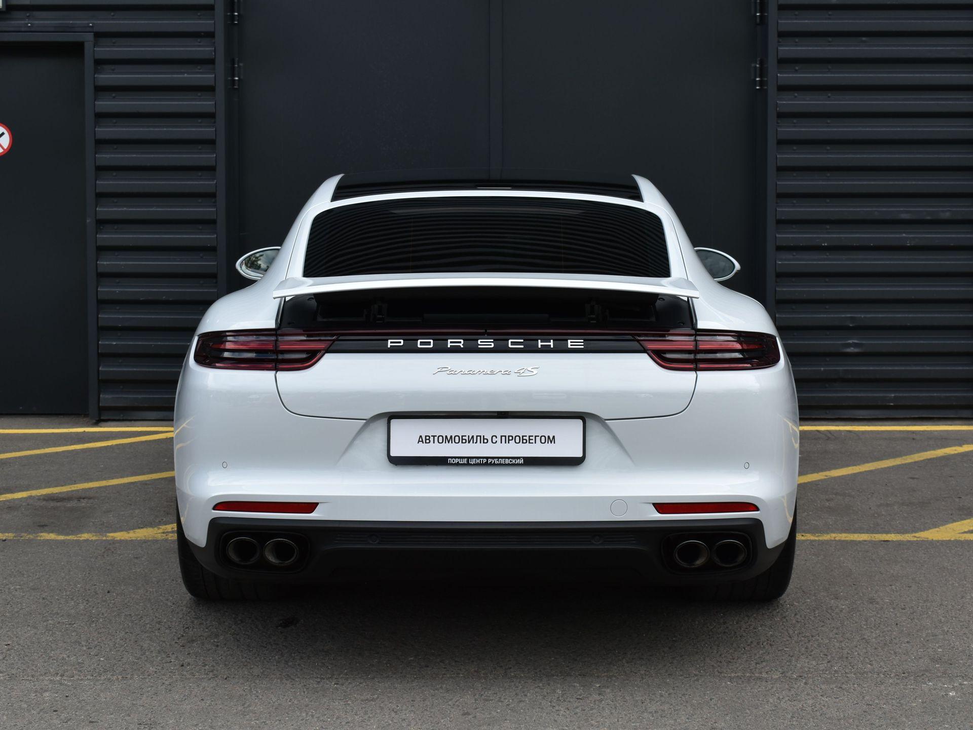 2017 Porsche Panamera 4S – 4