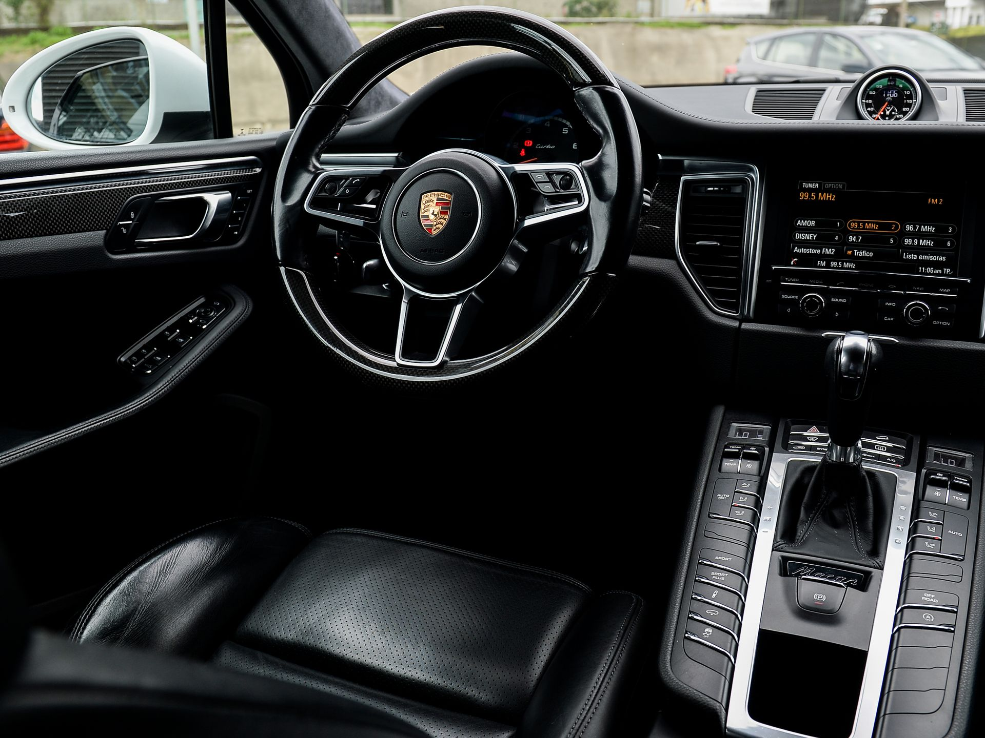 2015 Porsche Macan Turbo – 5