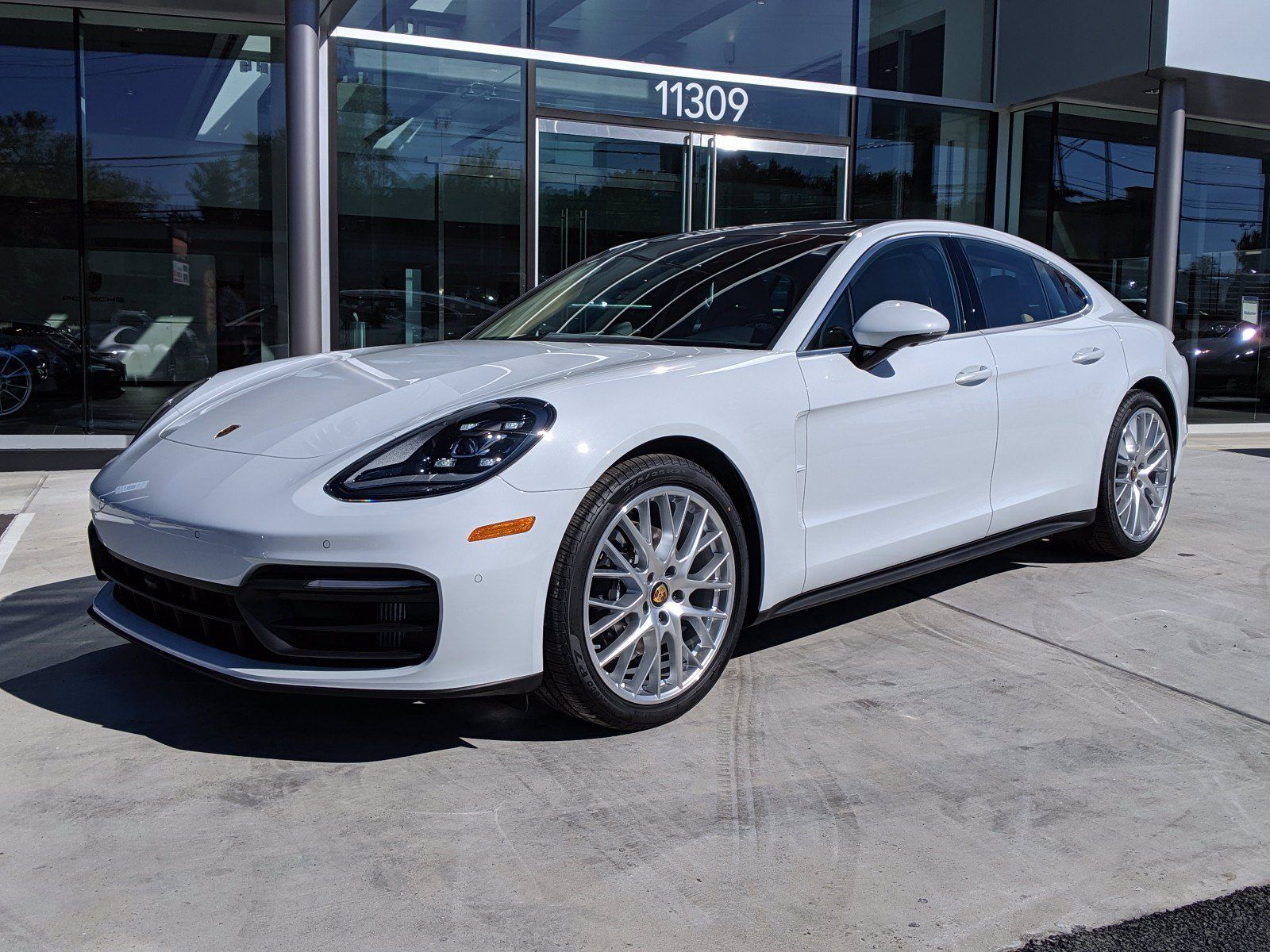 2022 Porsche Panamera 4 – 1