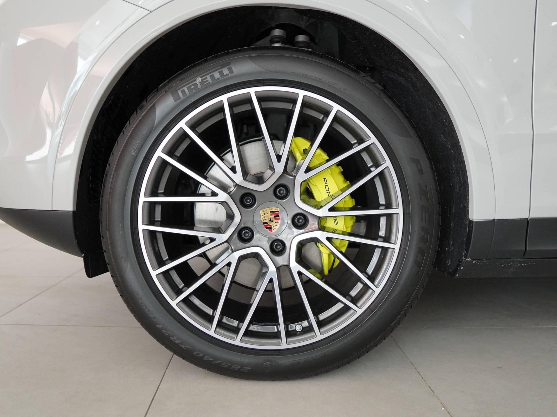 Porsche Cayenne E-Hybrid – 4