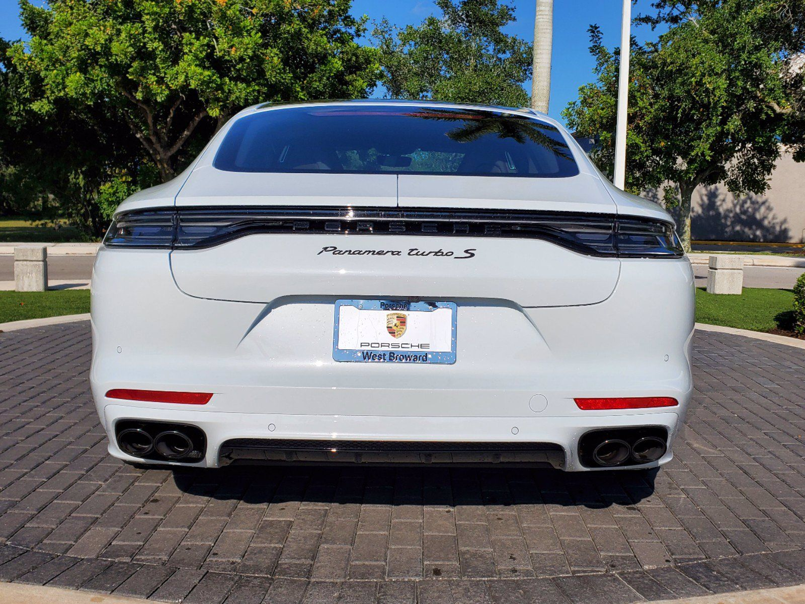 2021 Porsche Panamera Turbo S Executive – 4
