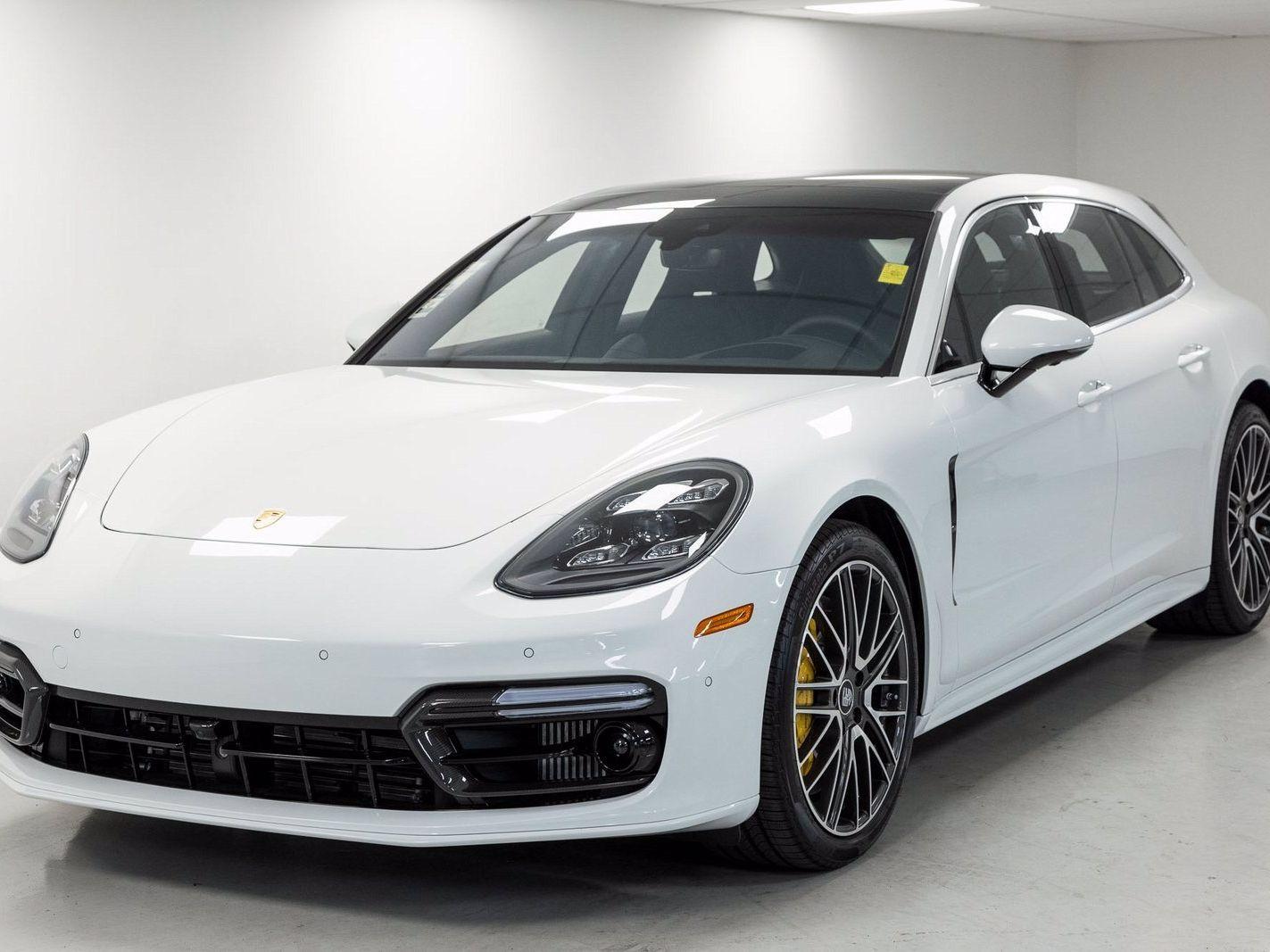 2021 Porsche Panamera Turbo S Sport Turismo – 2