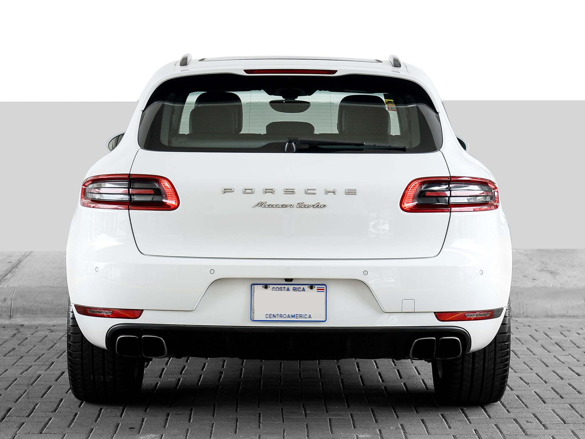 2015 Porsche Macan Turbo – 4