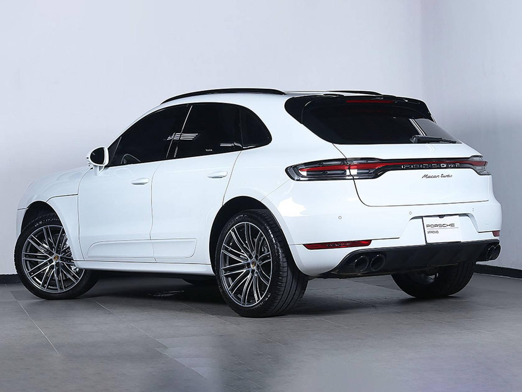 2020 Porsche Macan Turbo – 3