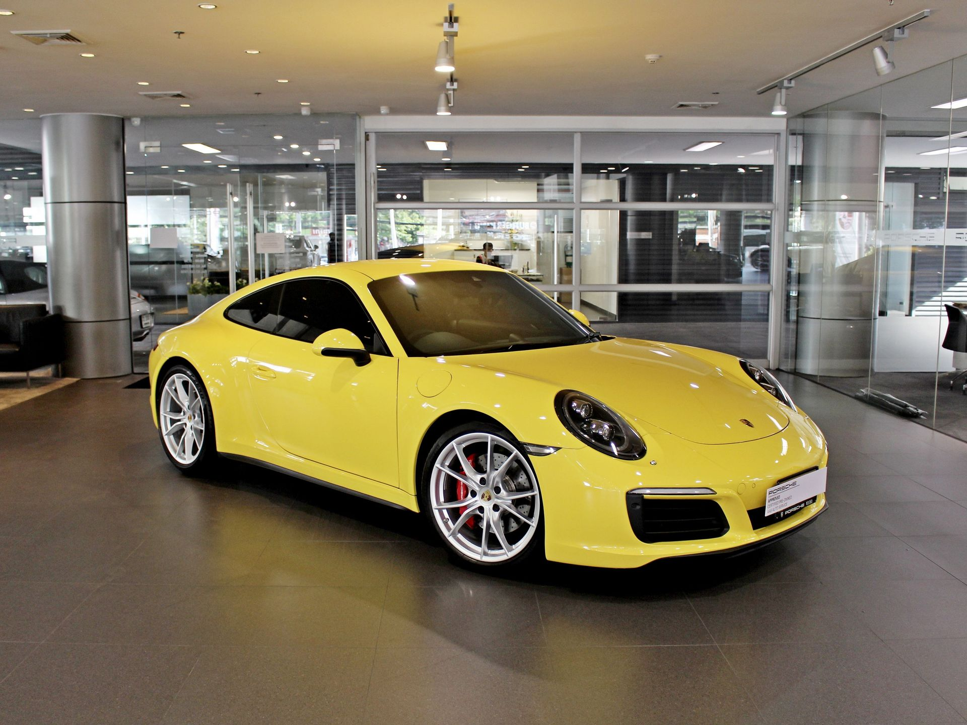 2017 Porsche 911 Carrera 4S – 1