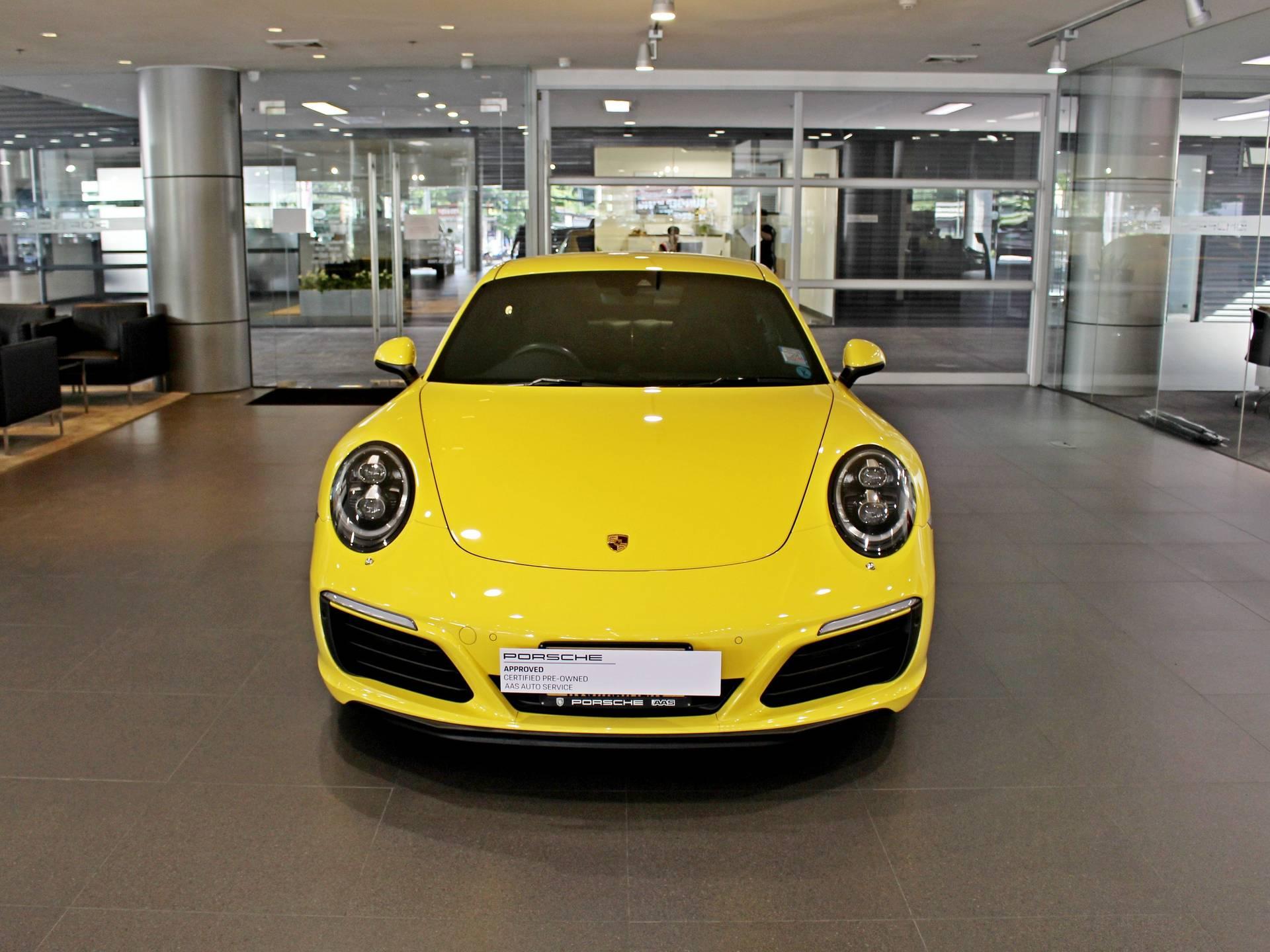 2017 Porsche 911 Carrera 4S – 2