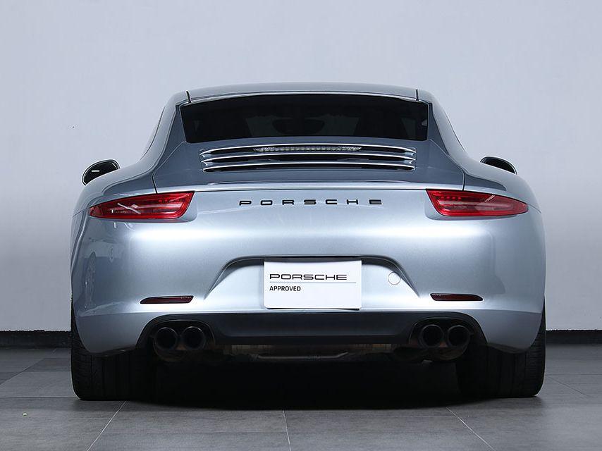 2015 Porsche 911 Carrera – 4