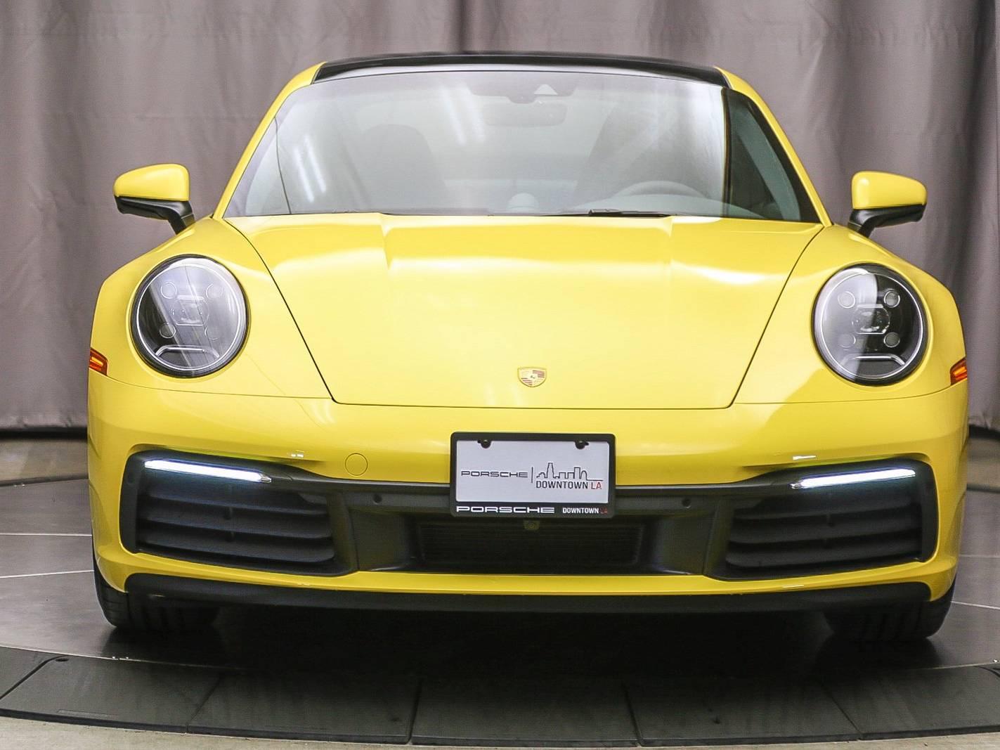 2021 Porsche 911 Carrera – 2
