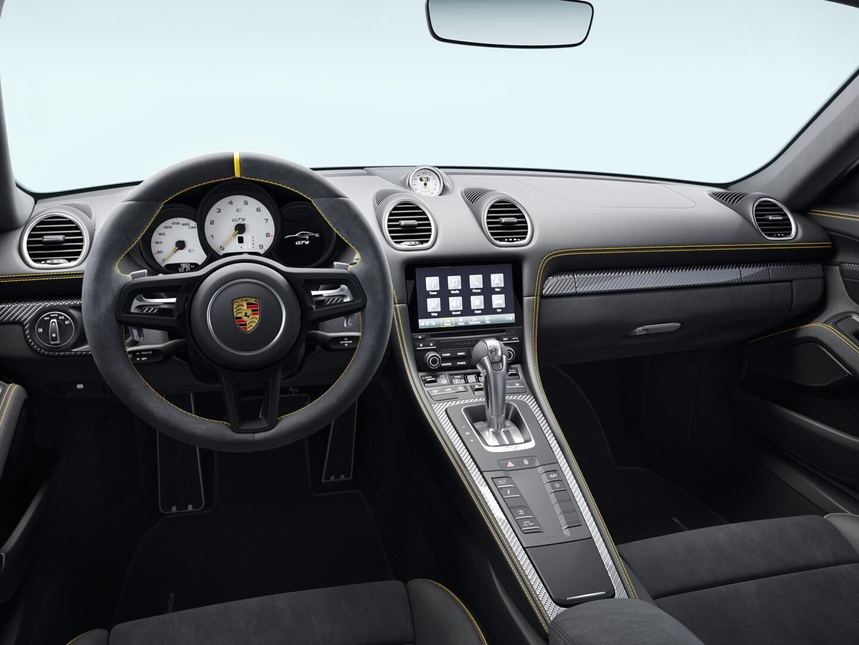 2022 Porsche 718 Cayman GT4 – 5