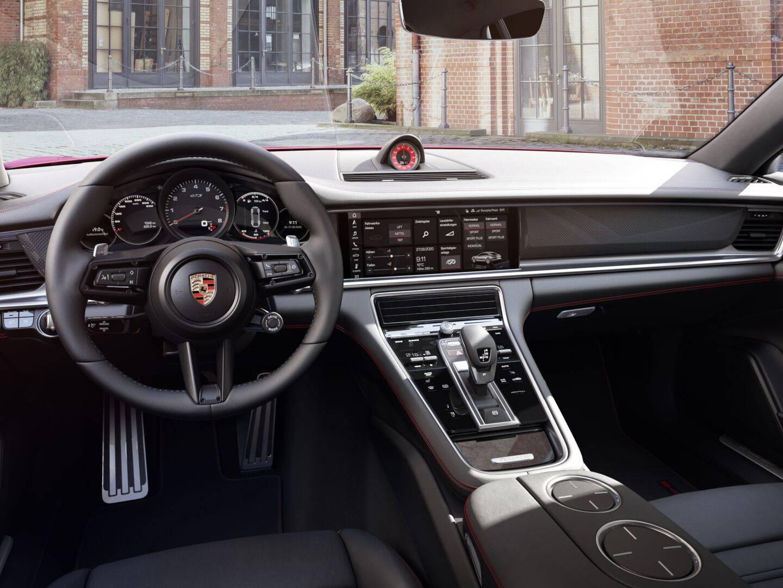 2021 Porsche Panamera GTS – 4