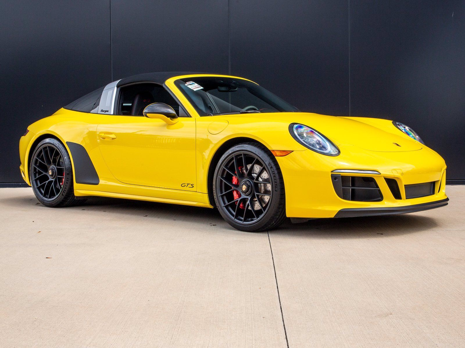 2019 Porsche 911 Targa 4 GTS – 2