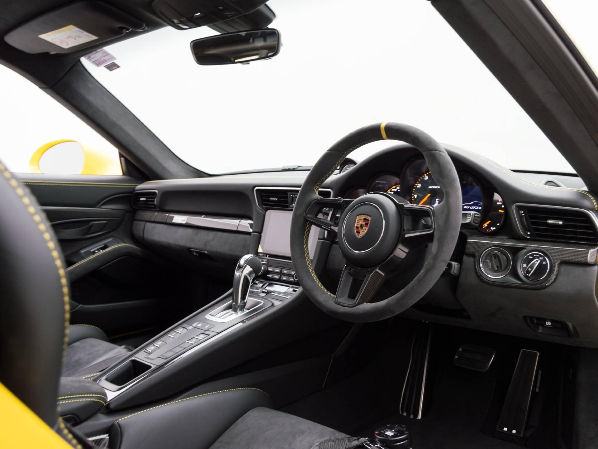 2018 Porsche 911 GT2 RS – 4