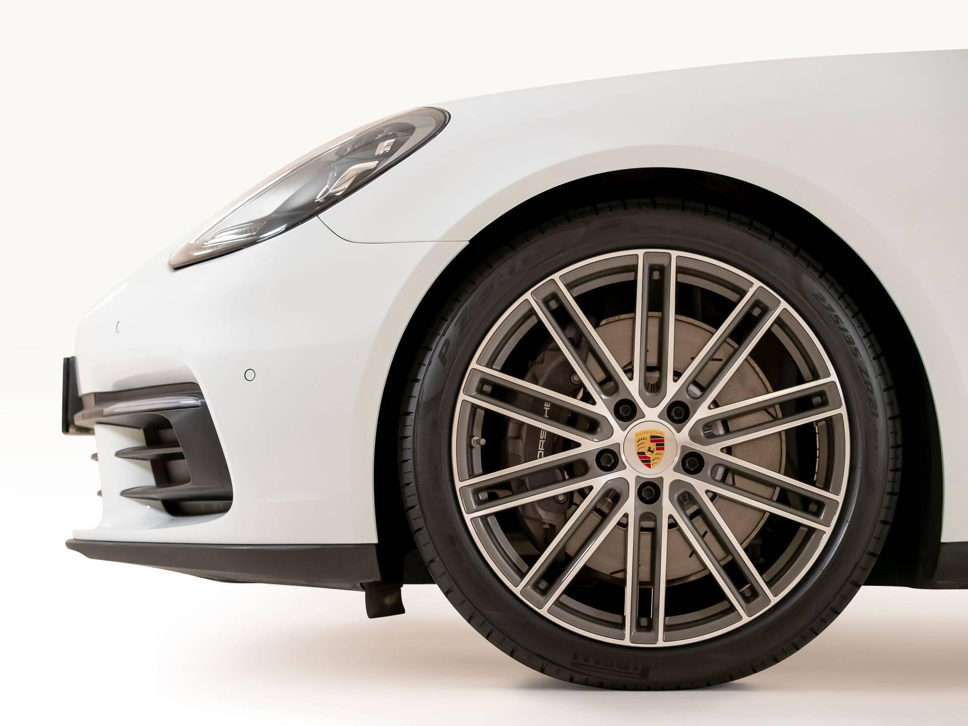 2018 Porsche Panamera 4 Sport Turismo – 4