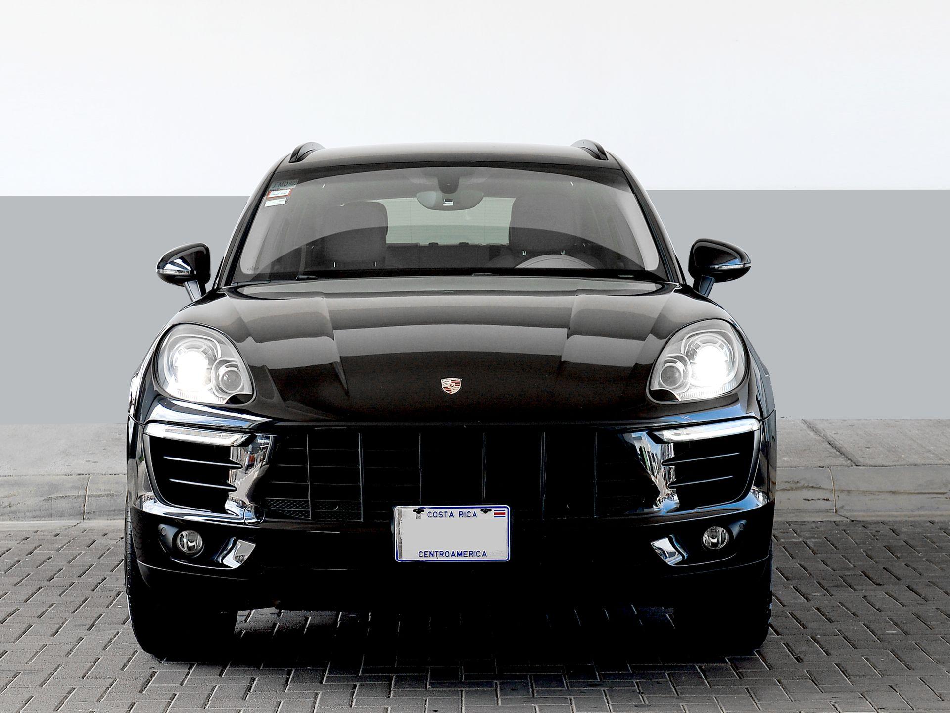 2015 Porsche Macan S – 1