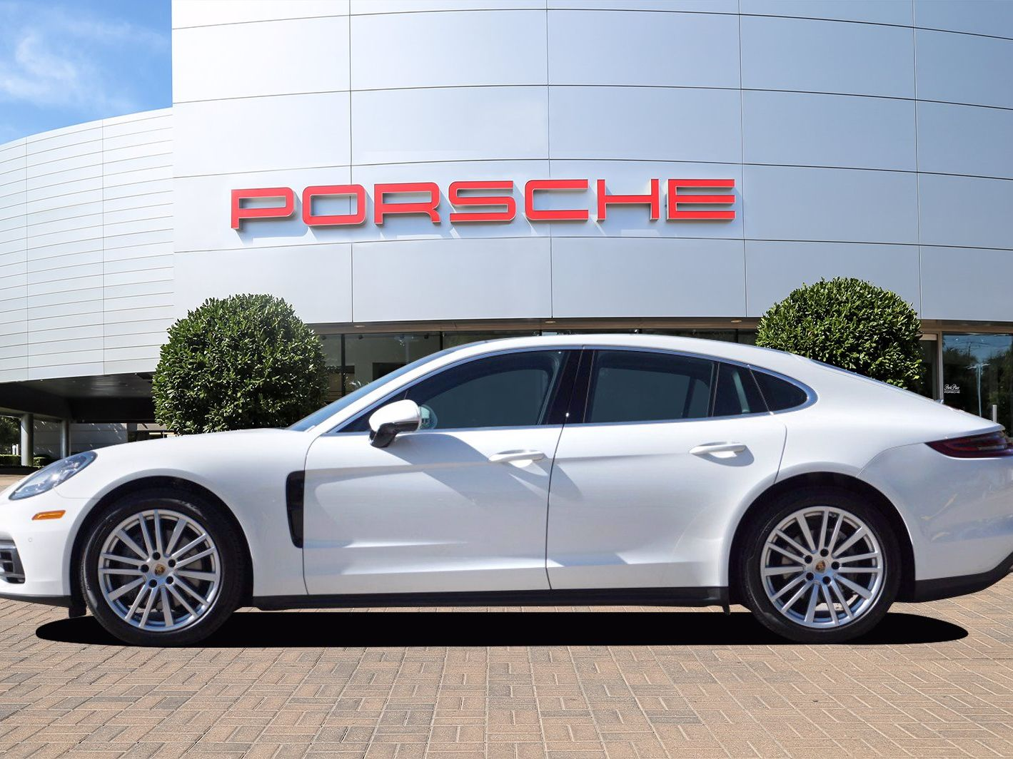 2020 Porsche Panamera 4S – 3