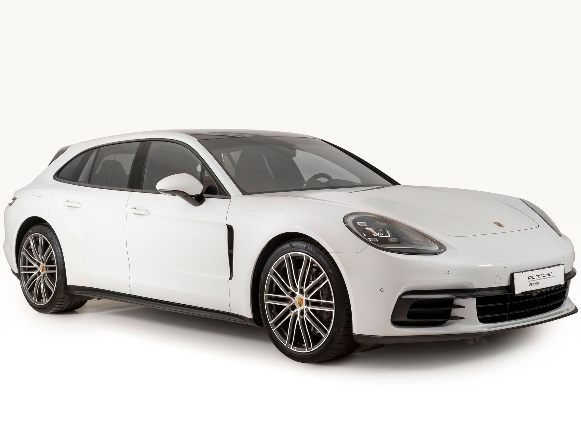 2018 Porsche Panamera 4 Sport Turismo – 5